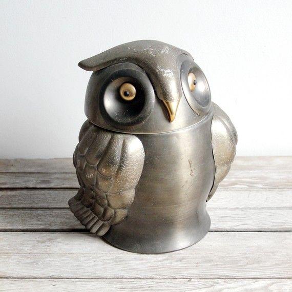 vintage owl ice bucket ( aluminum) Vintage Owls, Owls Mi, Buckets Aluminum, Vintage Buckets, Vintage Icebucket, Vintage Aluminum, Ice Buckets, Owls Ice, Aluminum Ice