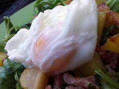 La meilleure recette de Oeuf poché inratable (cuisson au micro ondes)! L'essayer, c'est l'adopter! 4.7/5 (11 votes), 23 Commentaires. Ingrédients: 1 œuf par personne 4 cuillères à soupe d'eau 1 pincée de gros sel