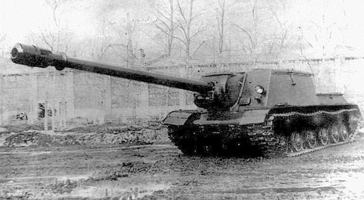 ISU-152-1 (ISU-152 BM) armed in 152,4 mm gun BŁ-8/OBM-43. Only one prototype was built in factory nr 100 in Chelyabinsk