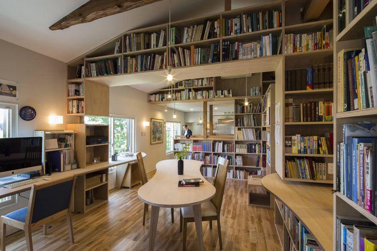 蔵書をメインにした「本の家」とはどんなものでしょうか?ブックカフェや図書館の様に清潔感があり、また居心地の良い雰囲気を醸…