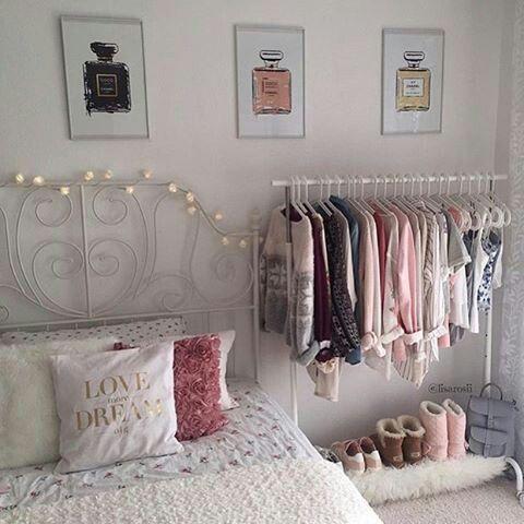 Bedroom mit Kleiderstange – ALLES