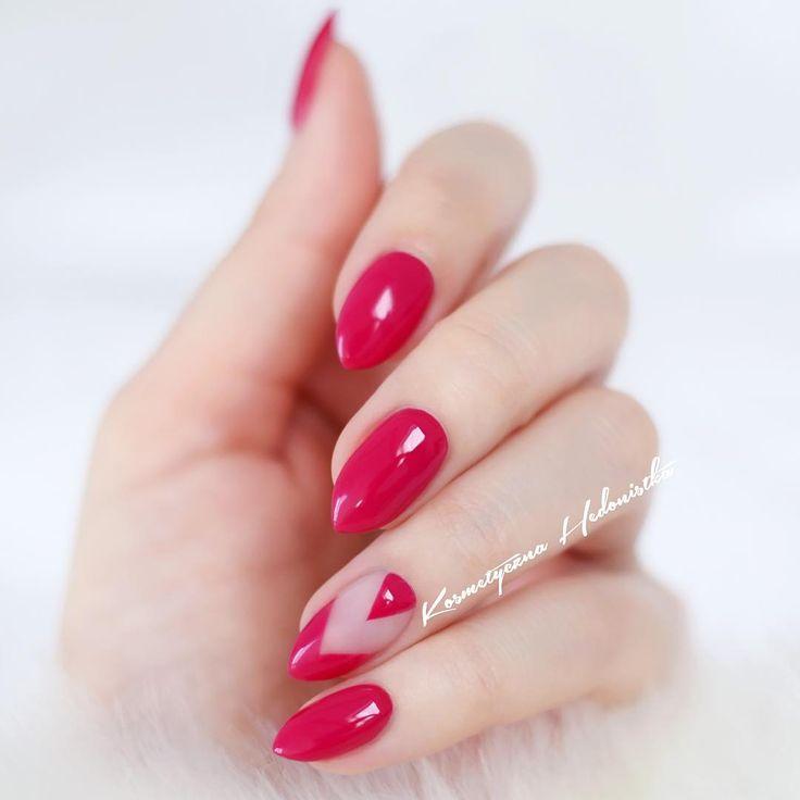 Semilac Elegant Raspberry 103 W rzeczywistości bardziej intensywny i rażący #hedonistkanails #nails #manicure #nailswag #nailart #nail #semilac #negativespace #negativespacenails #nailstagram #instanails #mani #inspo #hybrydy #polishgirl