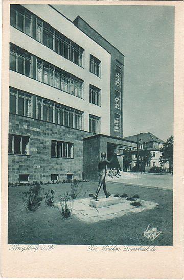 Schöne alte AK Königsberg / Die Mädchen Gewerbeschule