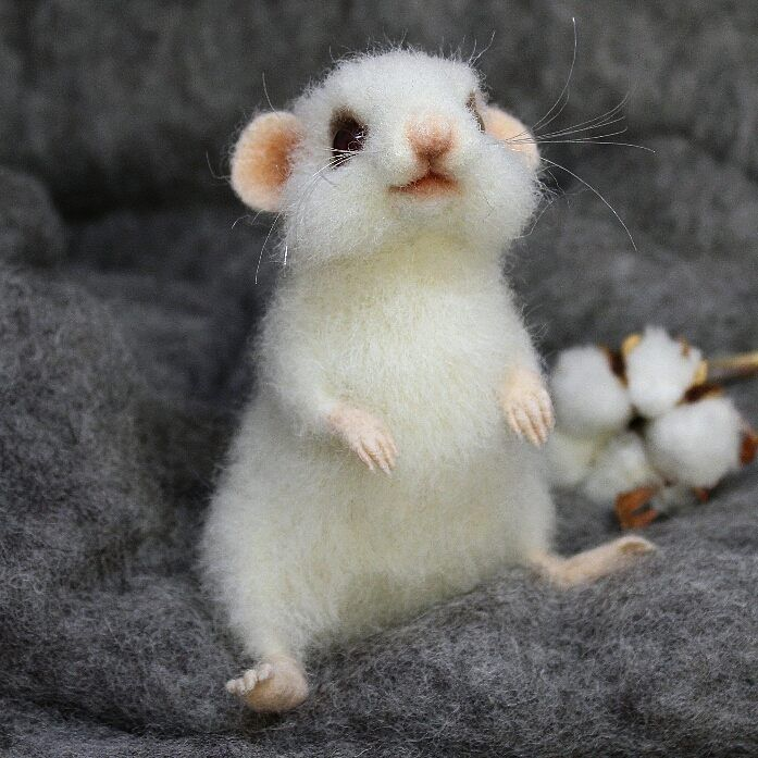 felted white mouse