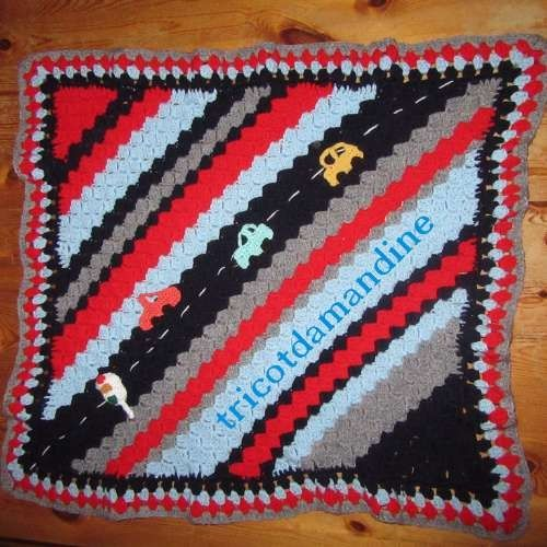 petite couverture de poussette pour mon petit fils http://tricotdamandine.over-blog.com/2017/02/jeudi-granny-chez-dane.fin-de-ma-couverture-pour-nael.html