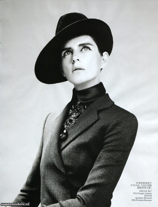 Stella Tennant in 'New Dandy' - Photographed by Willy Vanderperre (Vogue China September 2012)    Complete shoot after the click...