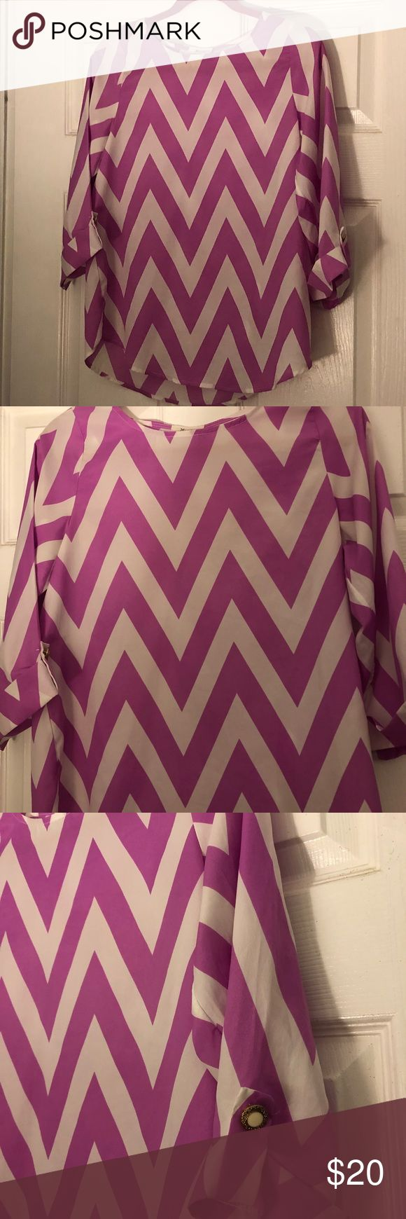 Everly chevron blouse Everly pink and white chevron blouse. Size S. Everly Tops Blouses