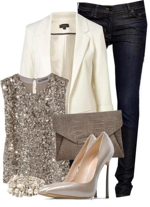 blusa lantejoulas + blazer branco + jeans escuro