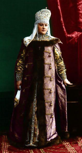 1903 costume ball in the Winter Palace, St. Petersberg, Russia. Princess Ekaterina Vladimirovna Golitsyna in a boyarynya fancy dress on the fashion of the 17th century. Boyarynya is a noble woman in ancient Russia, a boyar's wife. #Russian #history #Romanov