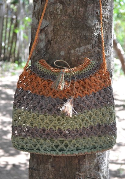 Beautiful hand bag made by Sikuani artisans in Vichada, Colombia. #Mambe Shop www.mambe.org