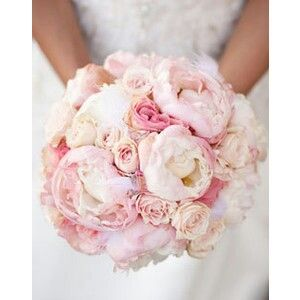 Peony and rose bouquet - love the different sizes