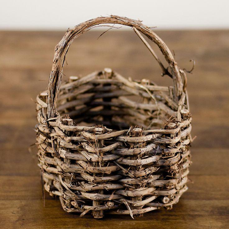 grapevine basket: Grapevine basket.
