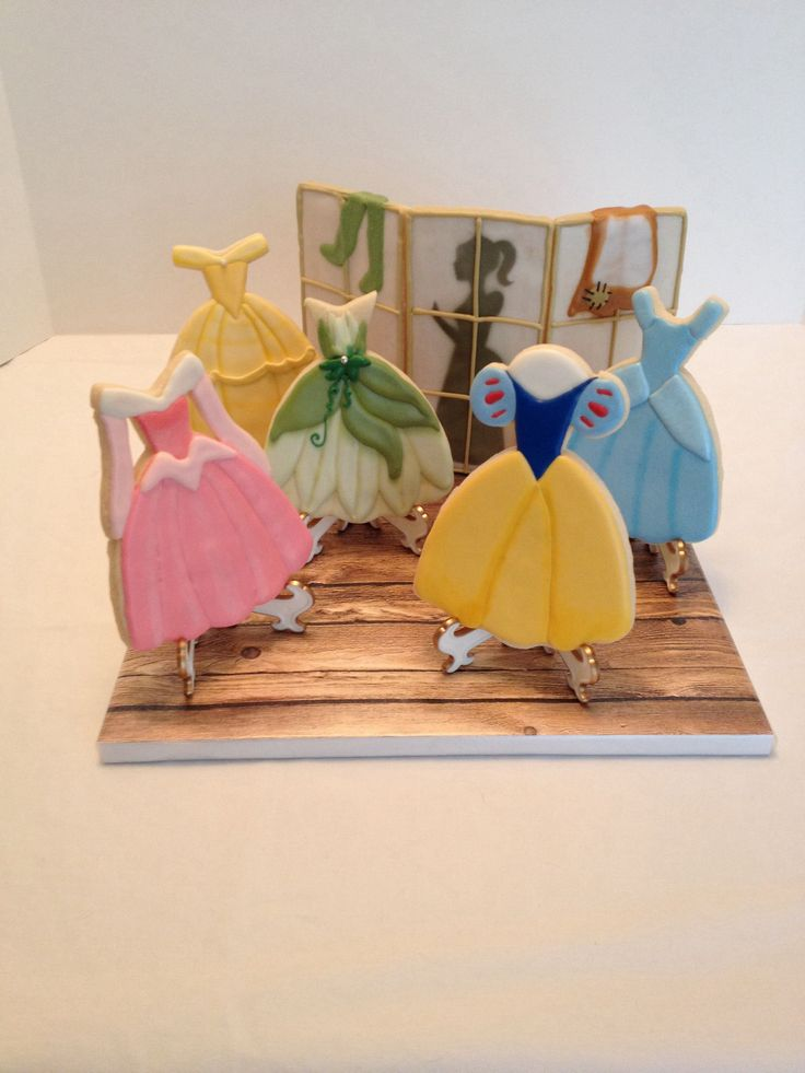 """Another version of Princess cookies! - """"Disney Princess Closet"""" for a competition"""
