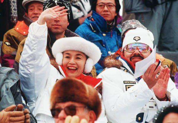 リレハンメル冬季五輪ノルディック複合日本チームを応援する三笠宮家の寛仁ご夫妻(ノルウェー・リレハンメル)