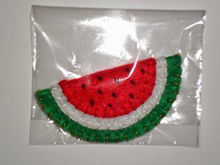 Atelier Ivania Karla: Imã de geladeira, melancia em feltro.