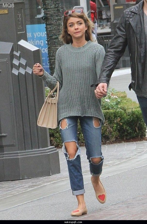 Sarah Hyland Shopping at the Grove    Street Style - http://makeupq8.com/sarah-hyland-shopping-at-the-grove-street-style/