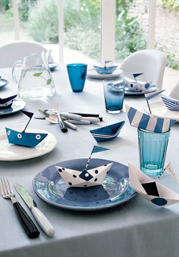 Nautical tablescape Love the little boats on plates