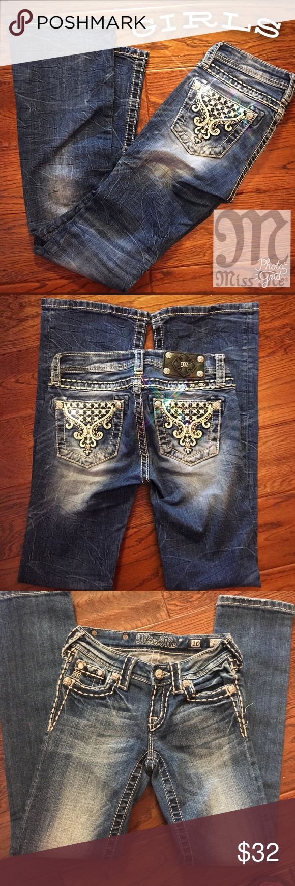 """GIRLS MISS ME JEANS W/ SUPER CUTE BLING POCKETS LIKE NEW!!! Girls Miss Me! Perfect Condition no missing crystals or studs. Adorned with ivory leather trim and a lot of bling. Of course the super stylish and great fitting like all Miss me Jeans. Inseam 28"""" Miss Me Bottoms Jeans"""