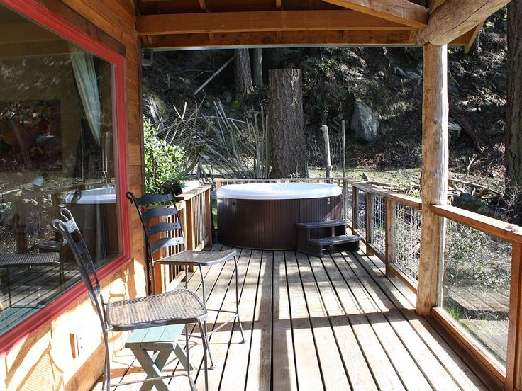 Secluded in Nature on a Private Bay - VRBO