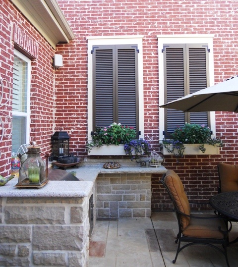 How To Decorate Garden Brick Wall 5 Ideas To Make It: Great Idea For A Large, Blank Outdoor Brick Wall! Faux