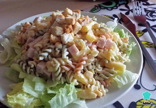 Receta de Ensalada de pasta con mayonesa y piña #RecetasGratis #Ensaladas #RecetasdeCocina #RecetasFáciles #ComidaSana #EnsaldadePasta #EnsaladaPiña