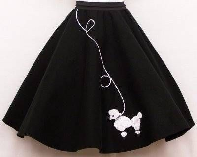 How to Make a Poodle Skirt Out of Felt
