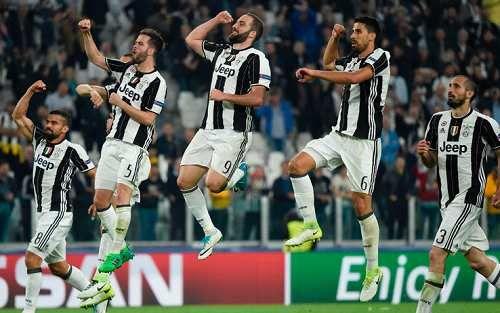 """Sport: Del #Piero #celebra la Juve: """"Una gara perfetta"""" (link: http://ift.tt/2orD4wU )"""