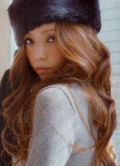 安室奈美恵. Curls Namie. A