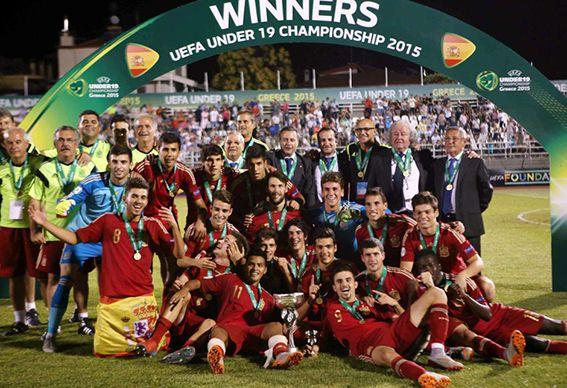 El deporte español sigue celebrando títulos. La selección española sub-19 ha conseguido su séptimo campeonato de Europa tras vencer a Rusia en la final. ¡Enhorabuena!