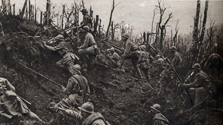 French troops attacking during the Nivelle Offensive, April 16-20 1917.