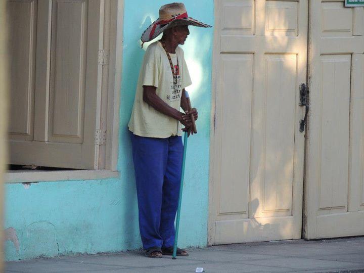 Cuba, het land van de rum, sigaren, oude Amerikaanse auto's, muziek, dansen, honkbal, nationale helden, politiek en specifiek het communisme. Het beeld dat velen hebben van Cuba en het is allemaal waar! Je komt het allemaal tegen in je reis door Cuba. Het actieve straatleven met overal muziek, oude mannetjes die in de schaduw een more »