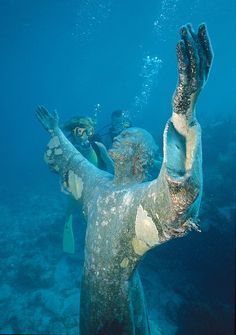 Top Ten Things To Do in The Florida Keys Ahhhh, Christ of the Abyss! How I want to scuba dive this!