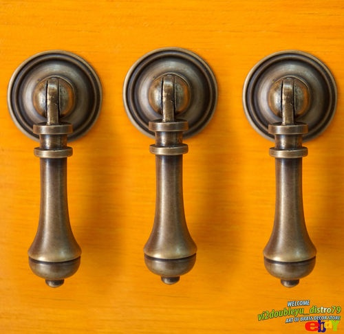 "2.63"" LOT OF 3 PCS ANTIQUE Vtg Solid Brass TEAR DROP Cudgel Pull KNOB Handle I @ eBay $9.99 I Lovely and GREAT GIFT for your Cabinet or home decor. #Knob #Drawer #Brass #Antique #Vintage #Home_decor"