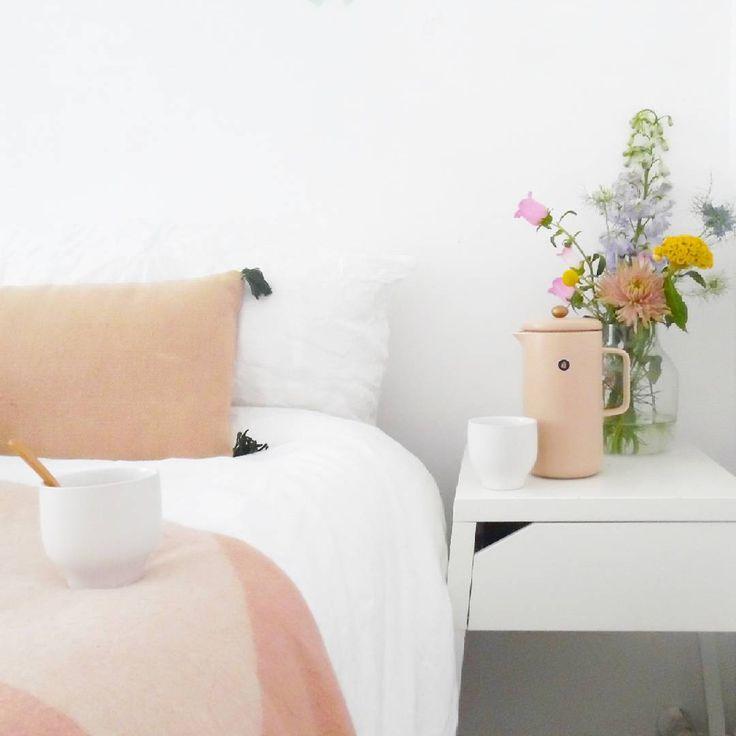 Oranje is de kleur van? * * * * Credits: @jess_vdberg * * * * #inspiratie #interieur  #meubels #meubel #meubelonline #wonen  #woonaccessoires #design #living #interior #myhome2inspire #interior4you #instahome #styling #livingroom #wooninspiratie #homedeco #homedecoration #homedecor #furnnl #furniture #beautiful #homeandliving #lifestyle #woensdag #koningsdag17 #koningsdag