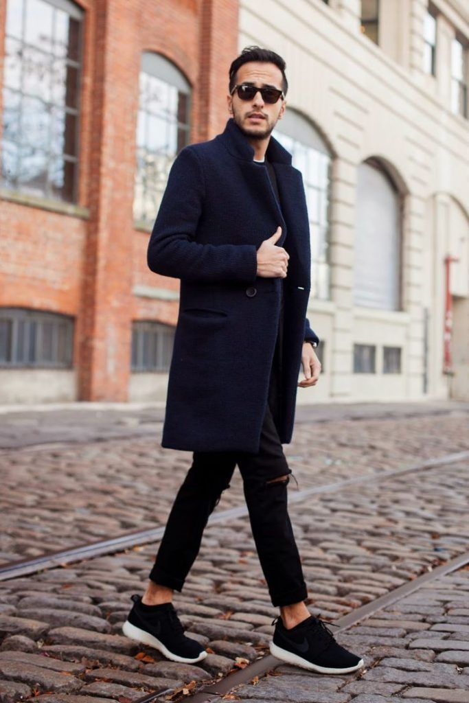 黒スキニーをチェスターコートに合わせた着こなし