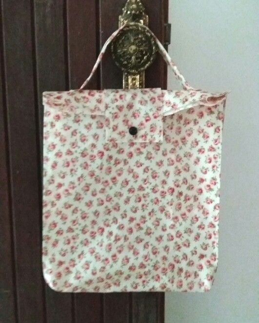 Large oilcloth bag, waterproof..go to  work with your fruit, sandwich..  Visit my shop: etsy.com/shop/shiraproducts...