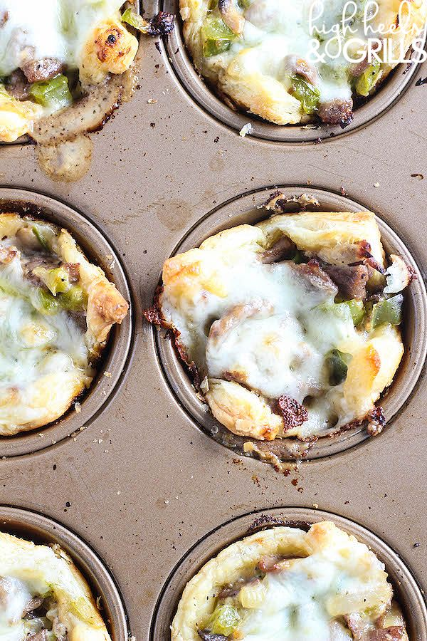 Philly Cheesesteak Cups - An easy dinner recipe that tastes so good! http://www.highheelsandgrills.com/philly-cheesesteak-cups/ 