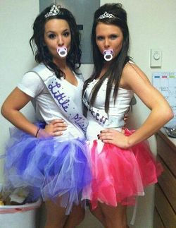 7 Cheap DIY Halloween Customes for College Students!