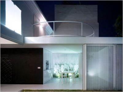 Maison d'architecte : composition harmonieuse pour une villa espagnole