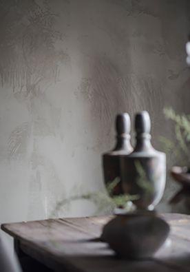 Grof stucwerk DIY | doe het zelf Je hoeft geen ervaren stukadoor te zijn om een mooie muur te maken. Juist als je het zelf doet, ontstaat de perfecte structuur. www.twoonhuis.nl