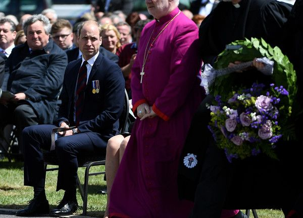 Prince William Photos Photos - The Duke of Cambridge (L) attends the Battle of Messines Ridge commemorations in Messines on June 7, 2017. . The Battle of Messines took place June 7-14, 1917 and was an offensive conducted by the British Second Army, during the First World War. / AFP PHOTO / EMMANUEL DUNAND - The Battle of Messines Ridge Commemoration