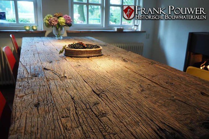 Oud eiken tafel gemaakt van wagonplanken