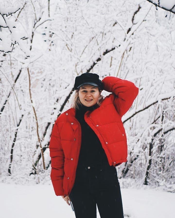 Jos et tiennyt niin nyt tiedät punainen iso pufferi on talven paras takki  enemmän kuvia tästä super takista blogissa ja siellä myös syy miksi minä #allblackeverything päädyin punaiseen väriin! #linkkibiossa . . . . . . #junkyard #junkyardgirls #winteroutfit #fashionstatement #linkinbio #moreontheblog #scandifashion #minimalistfashion #whatiwore #pufferjacket #pufferjackets #olympussuomi #olympusepl7 #vscocam