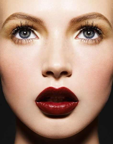 oxblood lipstick!  Rich, dramatic and exotic: Red Lipsticks, Deep Red Lips, Lipsticks Colors, Makeup, Beautiful, Dark Lips,  Lips Rouge, Lips Colors, Gold Eye