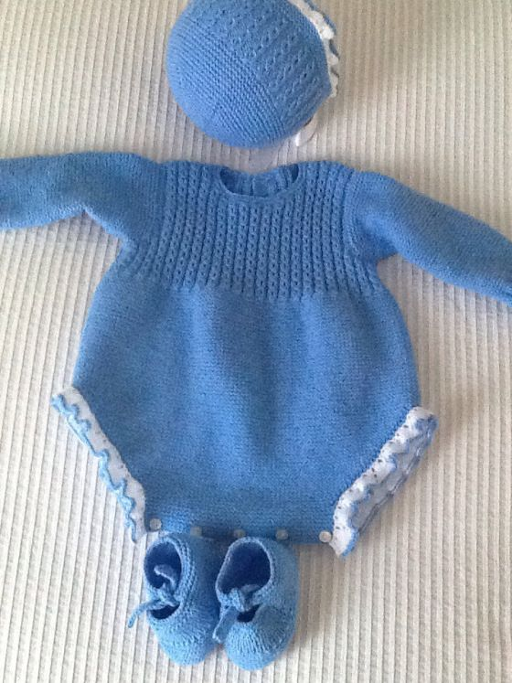 Mono azul                                                                                                                                                                                 Más