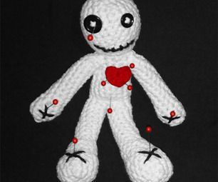 Amigurumi: Voodoo Doll (Pin Cushion)