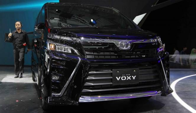 http://www.bali-toyota.com/toyota-voxy-mpv-yang-memiliki-julukan-alphard-murah/   Toyota Voxy MPV yang memiliki julukan 'Alphard Murah'