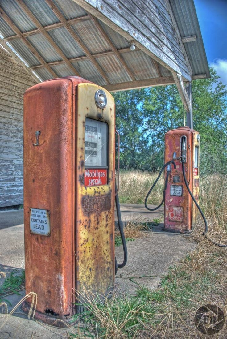 Ghost of a gas station in Central Texas...