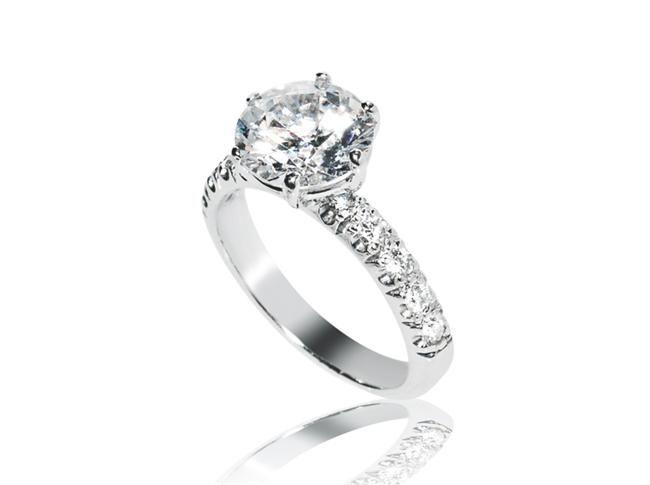 Engagement Ring by Jeff Einstein in Double Bay, Sydney. Just stunning!