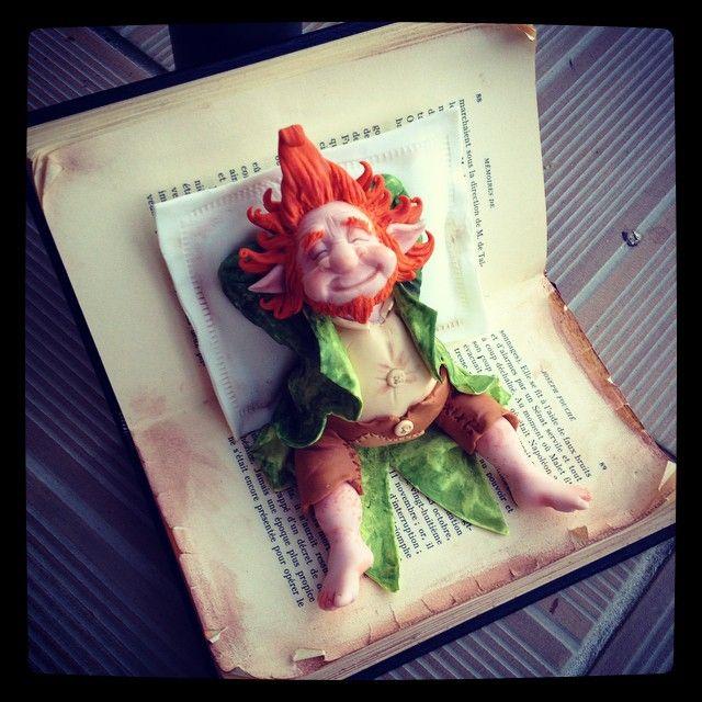 12 décembre près d'Orléans #stage #modelage avec #natasel inscriptions ouvertes ! #troll #gnome #fairy #wepam #polymerclay #oldbook #livre #cakedesign #caketopper #porcelainefroide #porcelanafria #biscuit